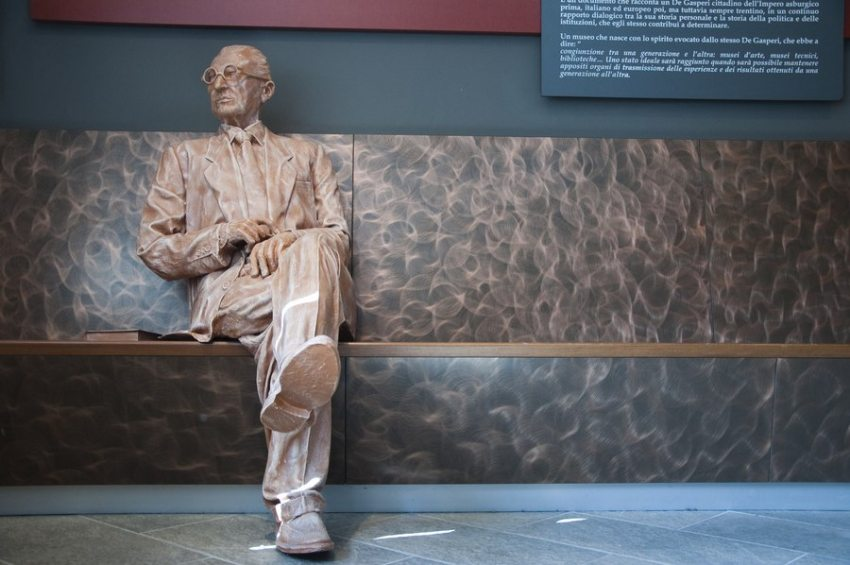 alcide-degasperi-statua