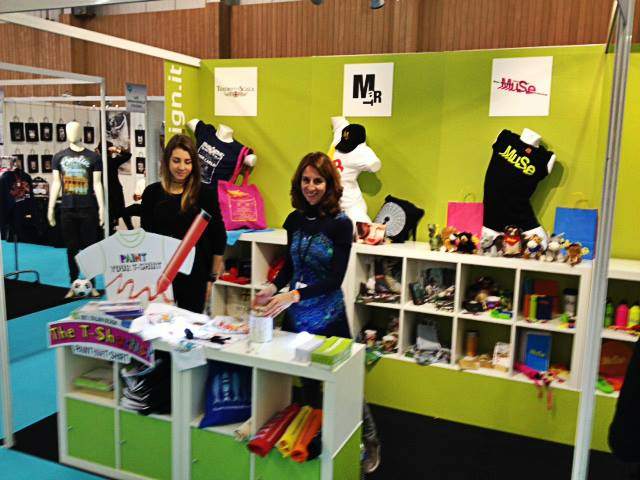 sadesign-stand-museum-connections