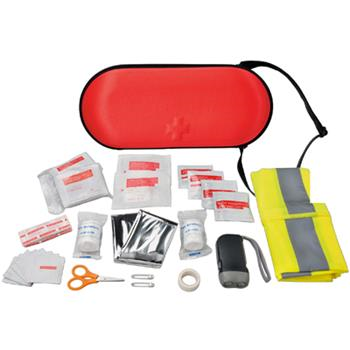 KIT PRONTO SOCCORSO mod. 12601200, include benda triangolare, forbili, 2 spille, 2 bende, 1 scotch di carta, 15 cerotti, 8 tamponi imbevuti di alcol, 2 salviette umide, 2 straccetti, 10 garze, 1 giubbino di sicurezza, 1 coperta di sicurezza ed 1 torcia a dinamo. Conforme alla normativa EN 13485, normativa Batterie, normativa WEEE, normativa EMC.