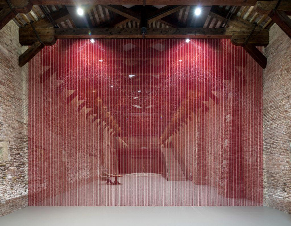 Dancing with myself - installazione di Felix Gonzalez-Torres