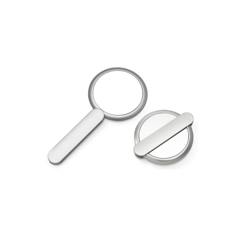 Specchio richiudibile aperto e chiuso