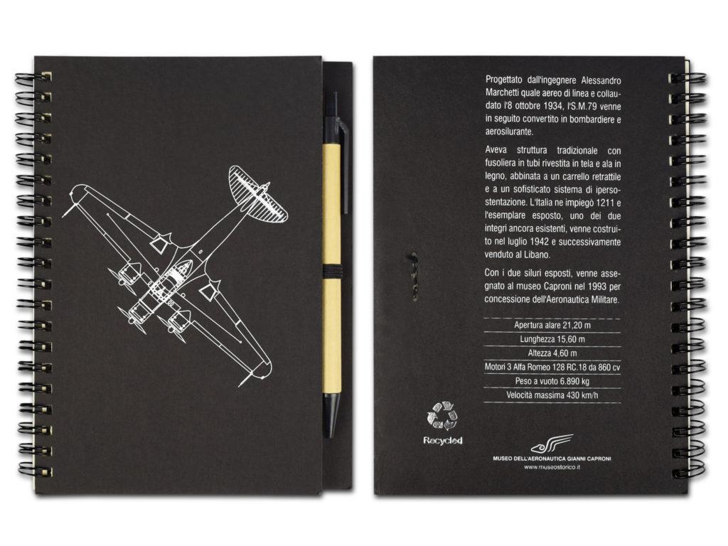 notes nero con modelli di aerei