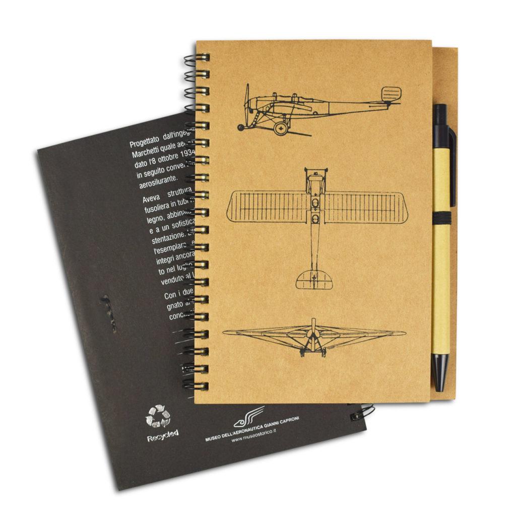 due notes con penna per aeronautica
