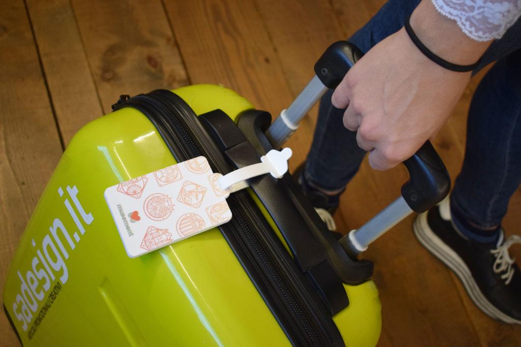 valigia con etichetta musement