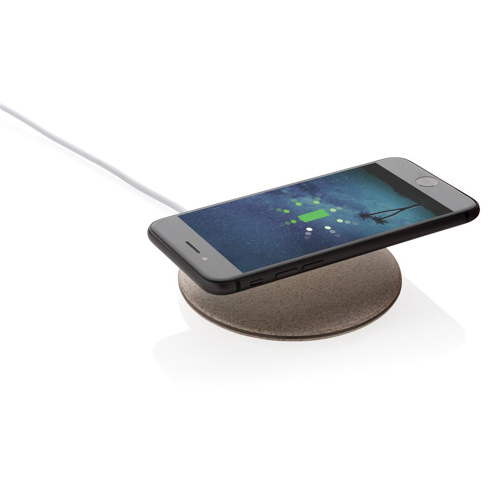 caricatore wireless ecologico con smartphone