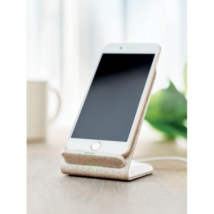 caricatore wireless ecologico con smartphone