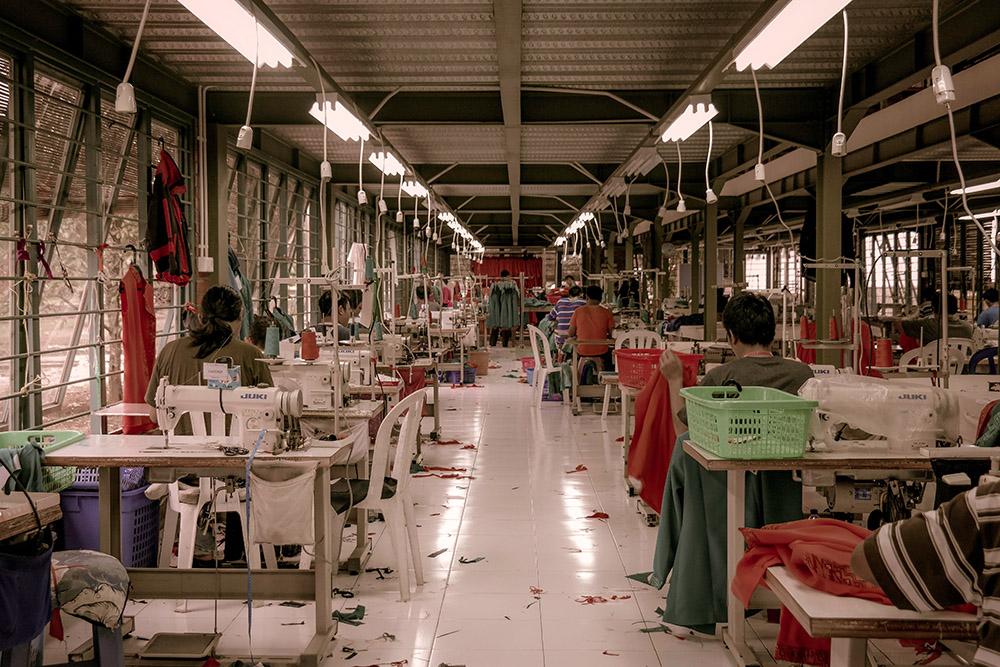 stabilimento produzione tessuti come esempio di moda poco etica
