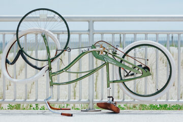 bicicletta rotta sottosopra