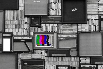radio e tv vintage in bianco e nero