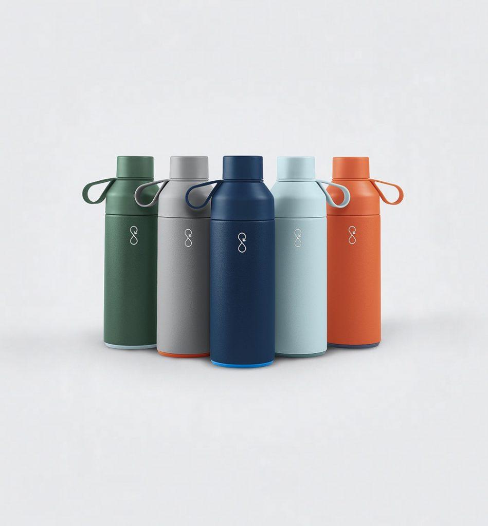 bottiglia nata dalla raccolta di plastica negli oceani